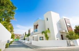 Modern 3 Bedroom Villa with Sea Views in Mouttagiaka Area - 33