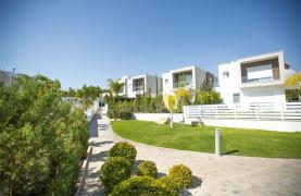 Modern 3 Bedroom Villa with Sea Views in Mouttagiaka Area - 36