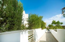 Modern 3 Bedroom Villa with Sea Views in Mouttagiaka Area - 30