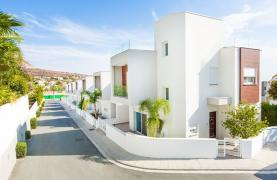 Modern 3 Bedroom Villa with Sea Views in Mouttagiaka Area - 38