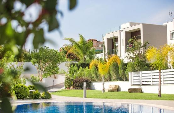 Modern 3 Bedroom Villa with Sea Views in Mouttagiaka Area