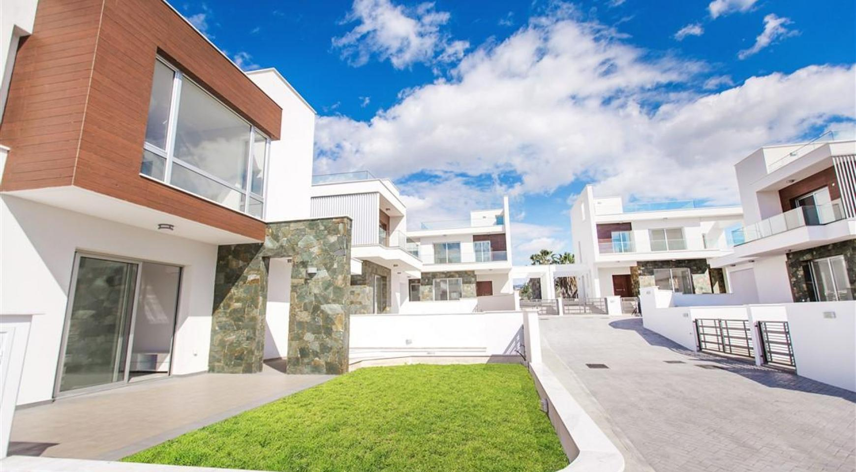 Modern 3 Bedroom Villa in Chloraka - 1