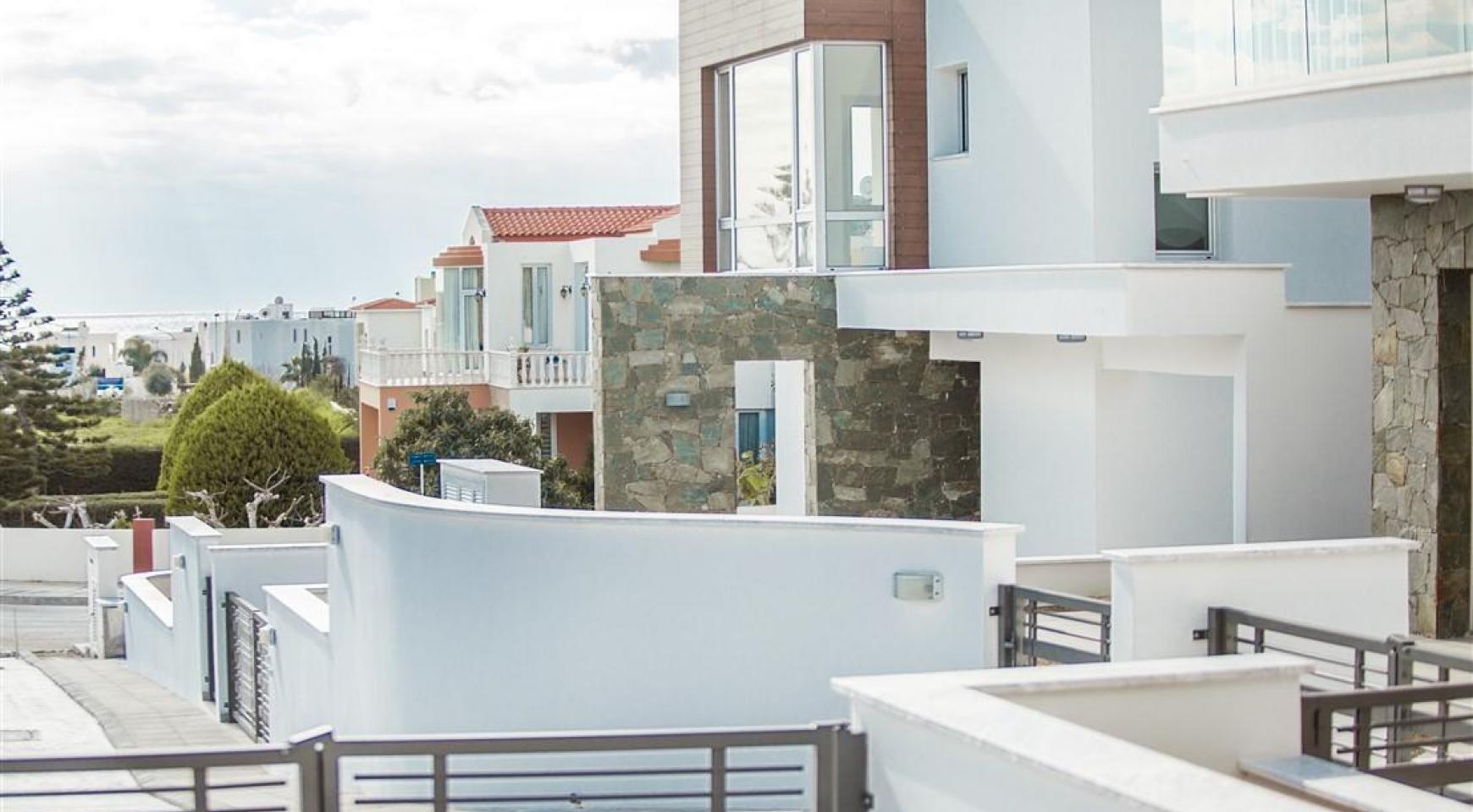 Modern 3 Bedroom Villa in Chloraka - 12