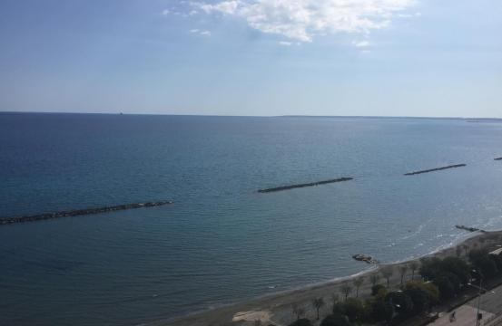 Luxurious 2 Bedroom Apartment in an Exclusive Complex near the Sea