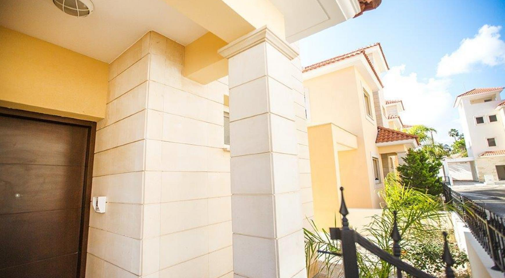 4 Bedroom Villa in within a New Project in Mouttagiaka Area - 7