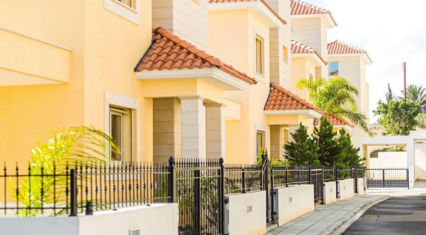 New Modern 4 Bedroom Villa in Mouttagiaka Area - 1