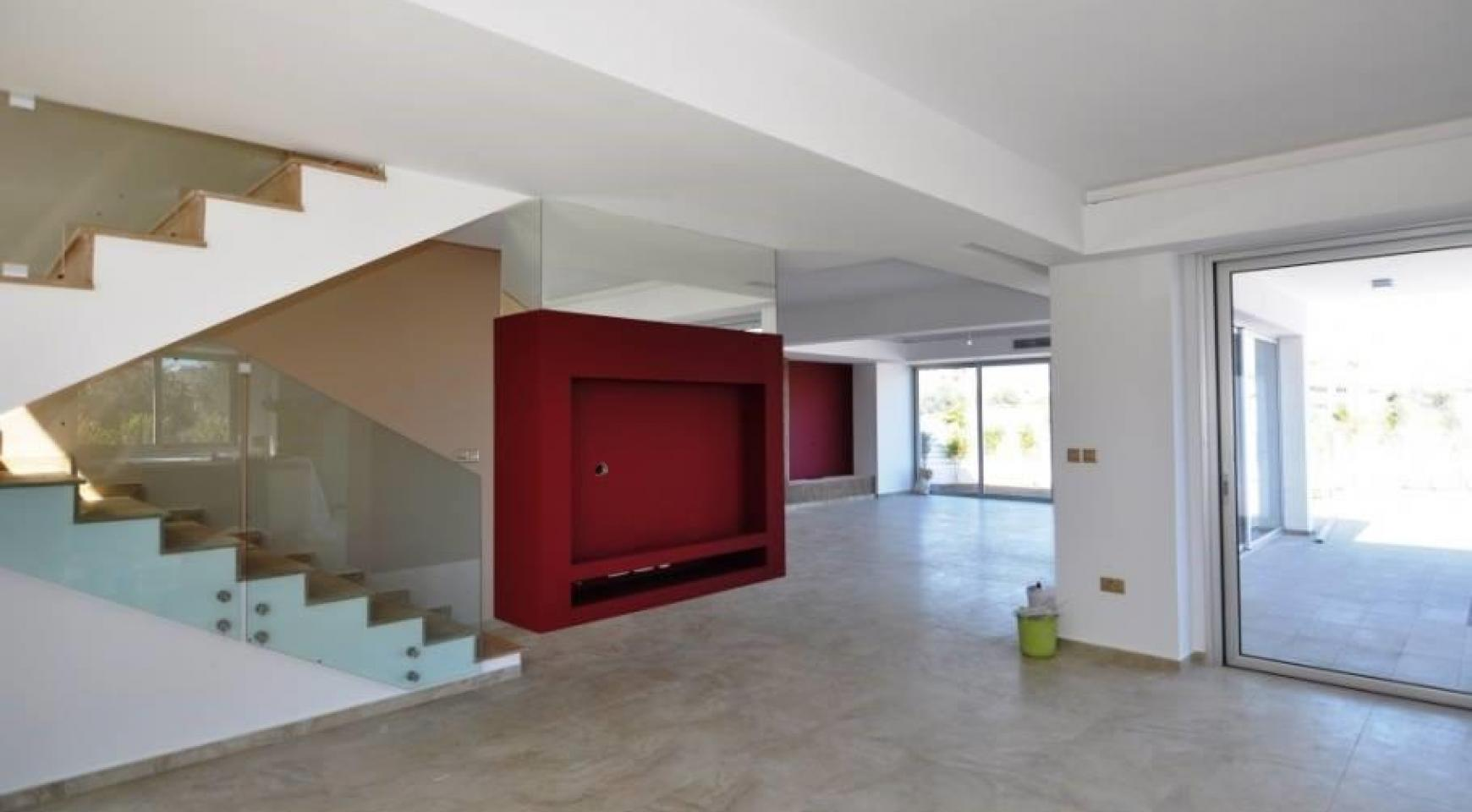 Luxurious Contemporary 5 Bedroom Villa near the Sea - 7