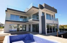Luxurious Contemporary 5 Bedroom Villa near the Sea - 20