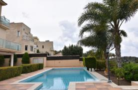 Luxury 4 Bedroom Villa with Stunning Mountain and Sea Views - 27