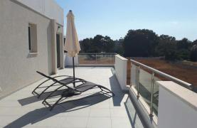 Luxury 3 Bedroom Apartment in the Tourist Area - 27