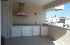 Luxury 3 Bedroom Apartment in the Tourist Area - 25