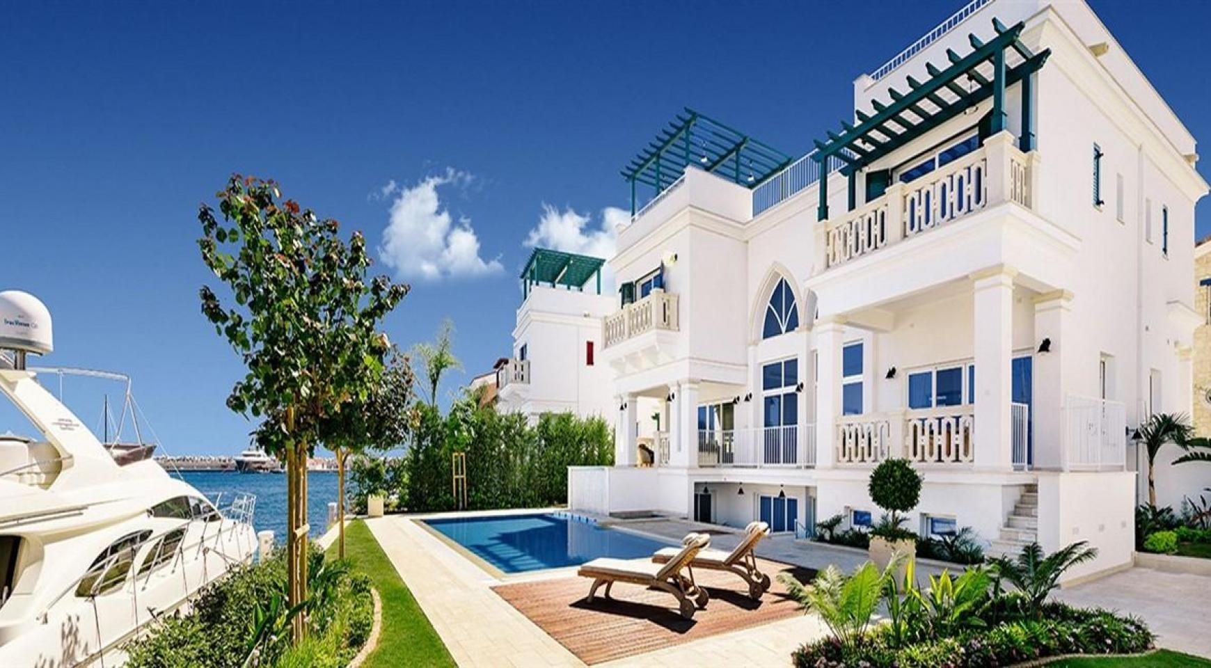 Elite 3 Bedroom Villa within an Exclusive Development by the Sea - 1