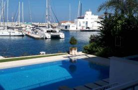 Elite 3 Bedroom Villa within an Exclusive Development by the Sea - 44
