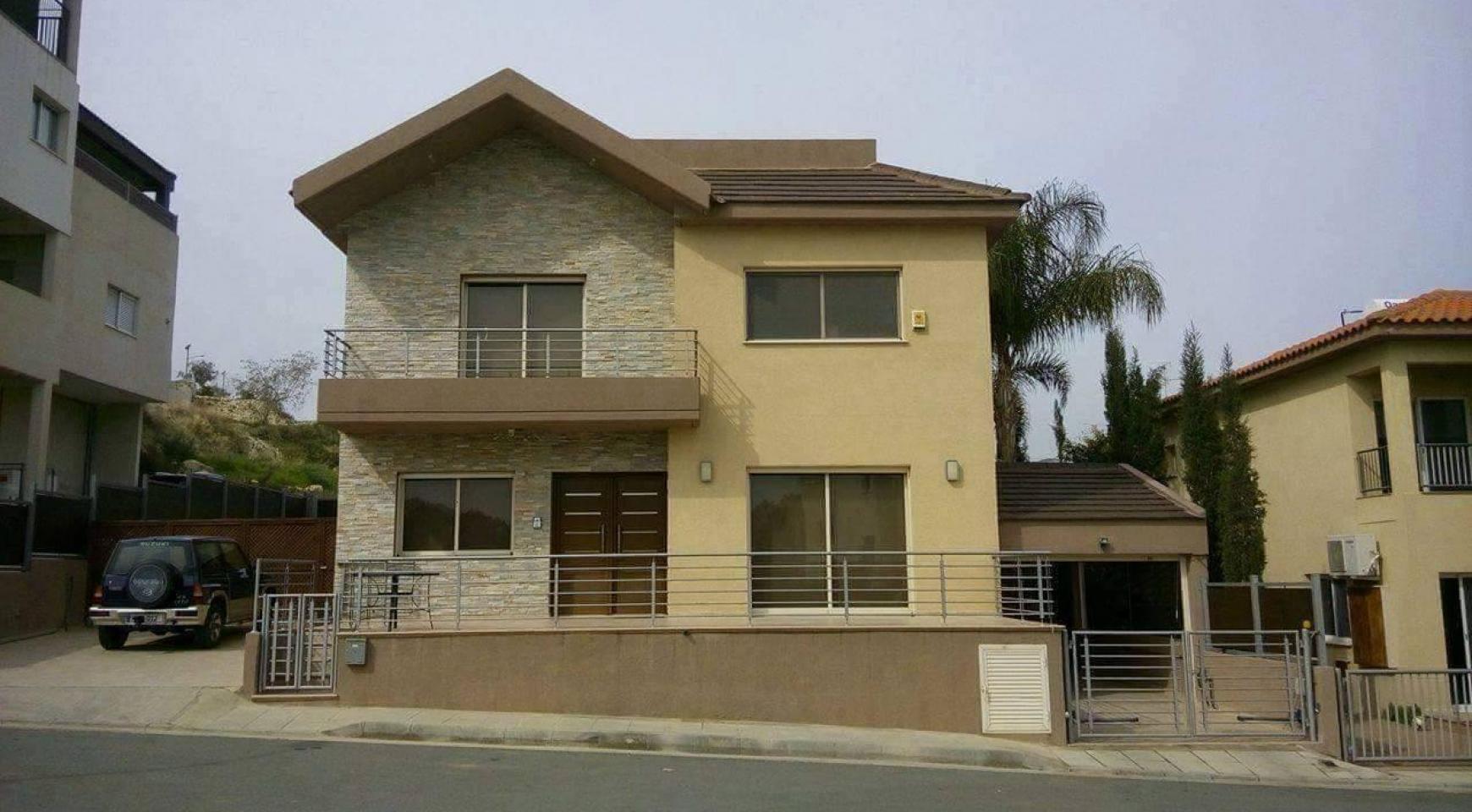 4 Bedroom House in Agios Athanasios Area - 1