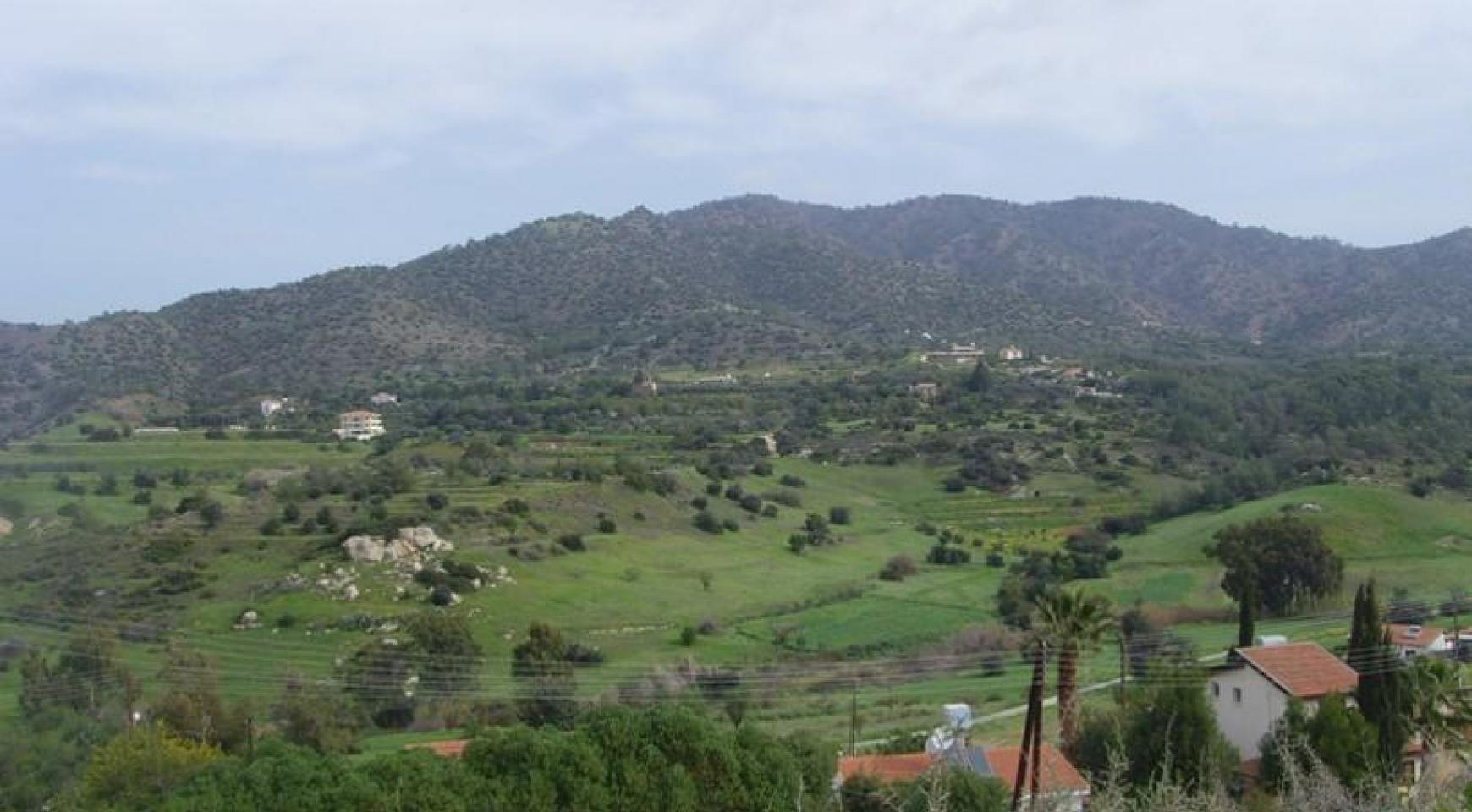 Large Building Plot with Magnificient Views in Finikaria - 1
