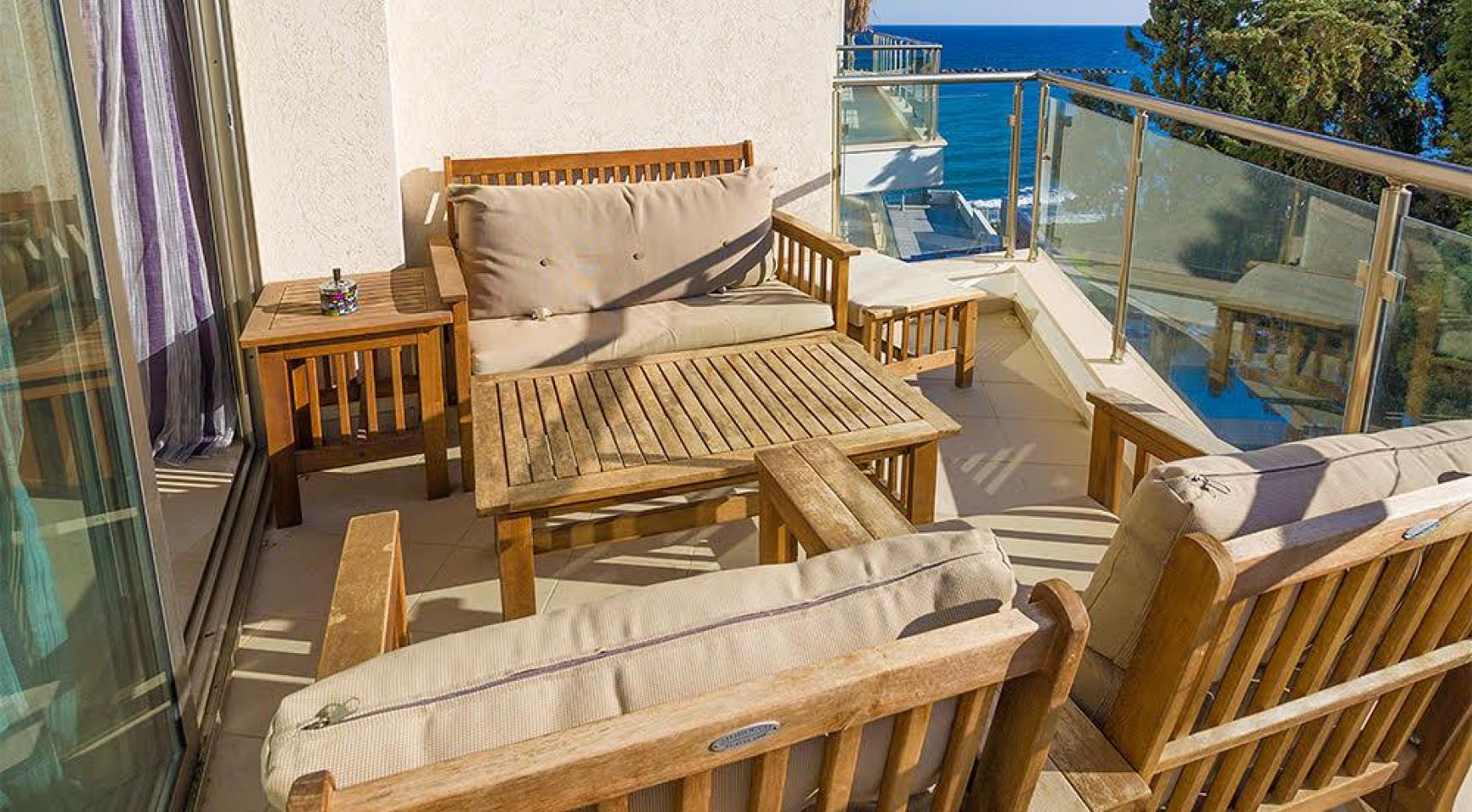 Luxurious 3 Bedroom Apartment within a Seafront Complex - 13