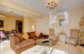 Luxurious 3 Bedroom Apartment within a Seafront Complex - 16