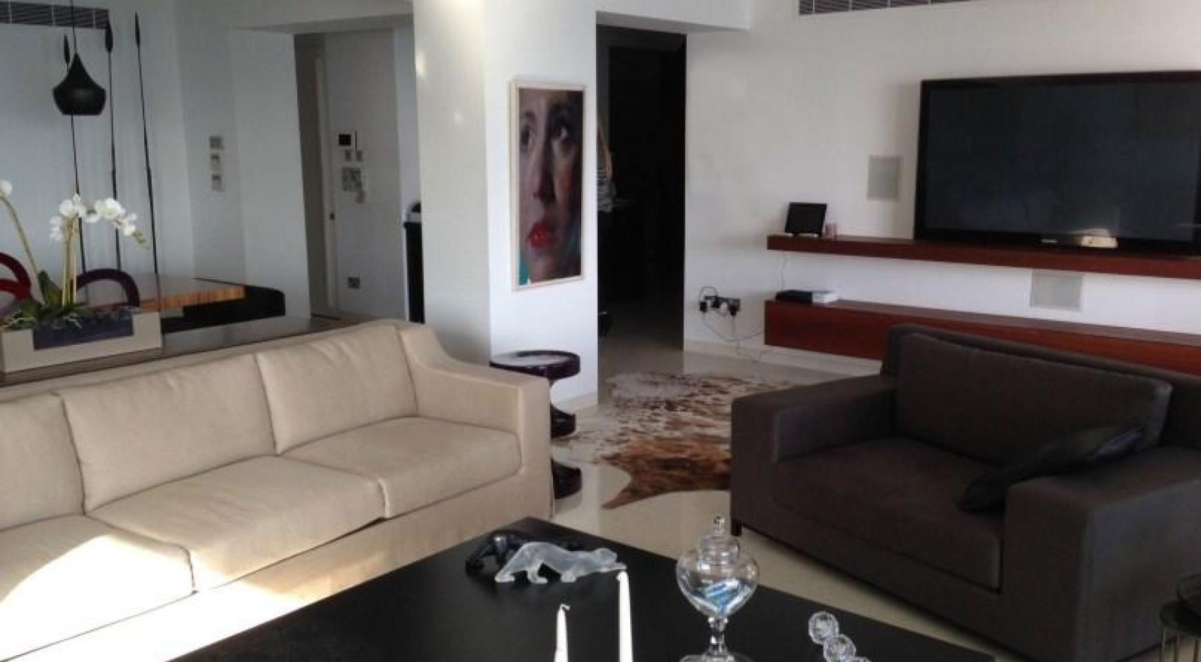 3 Bedroom Apartment on the Seafront - 4