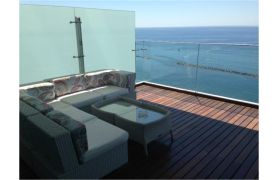 Luxurious 3 Bedroom Apartment with Stunning Sea Views - 20