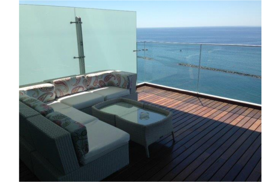Luxurious 3 Bedroom Apartment with Stunning Sea Views