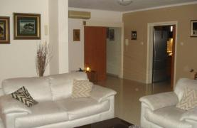 Luxury 3 Bedroom Apartment in Mesa Geitonia - 24