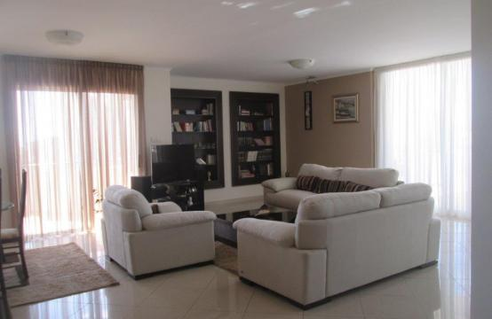 Luxury 3 Bedroom Apartment in Mesa Geitonia