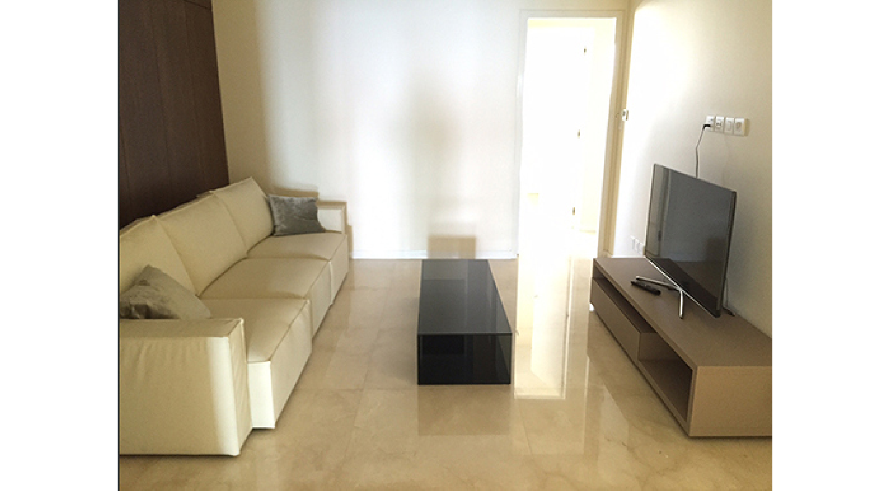 Spacious 3 Bedroom Apartment in an Exclusive Development near the Sea  - 5