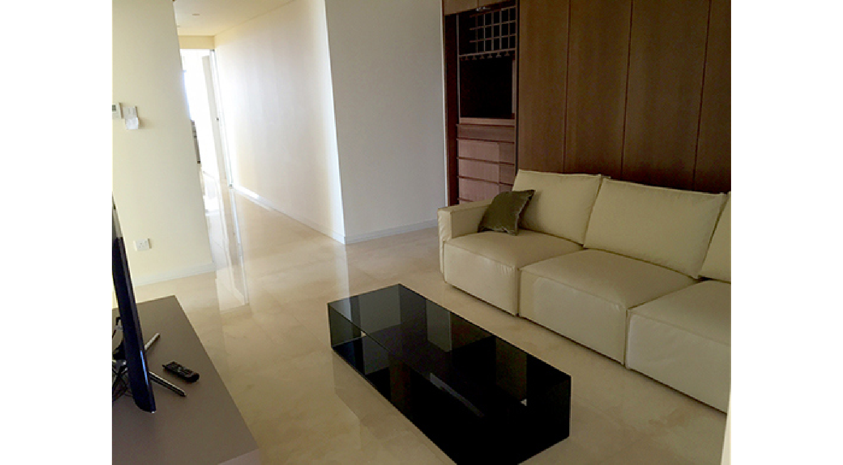 Spacious 3 Bedroom Apartment in an Exclusive Development near the Sea  - 6
