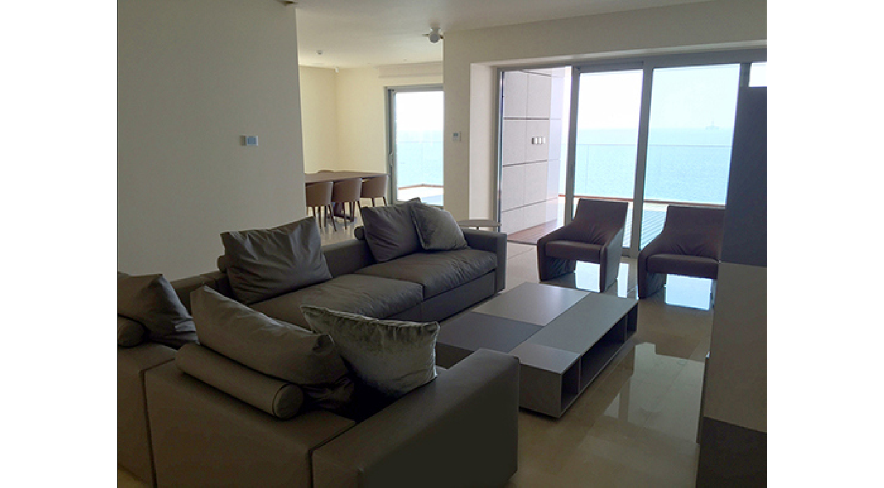 Spacious 3 Bedroom Apartment in an Exclusive Development near the Sea  - 1