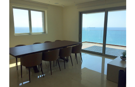 Spacious 3 Bedroom Apartment in an Exclusive Development near the Sea  - 16