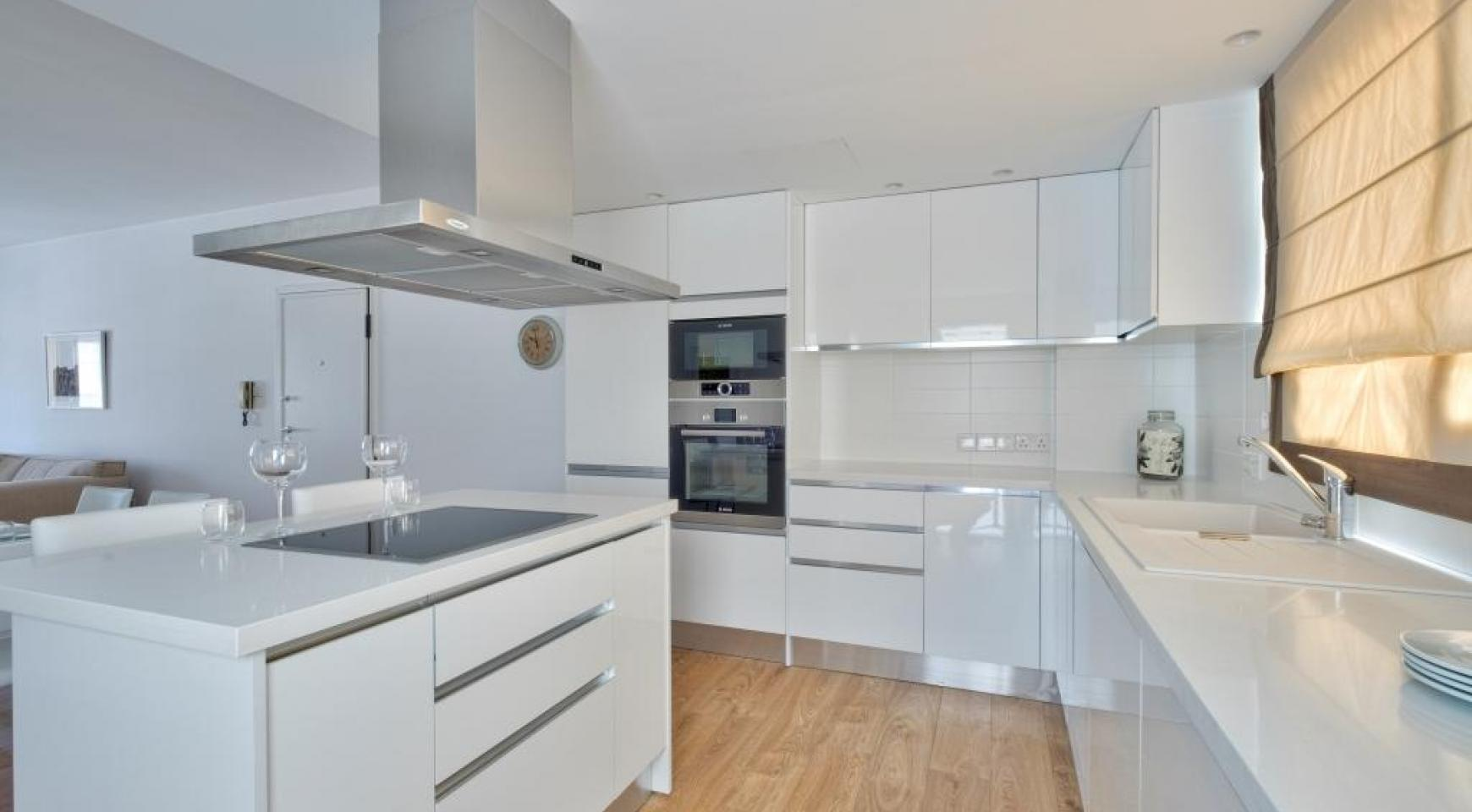 Modern 3 Bedroom Аpartment in Crown Plaza area - 3