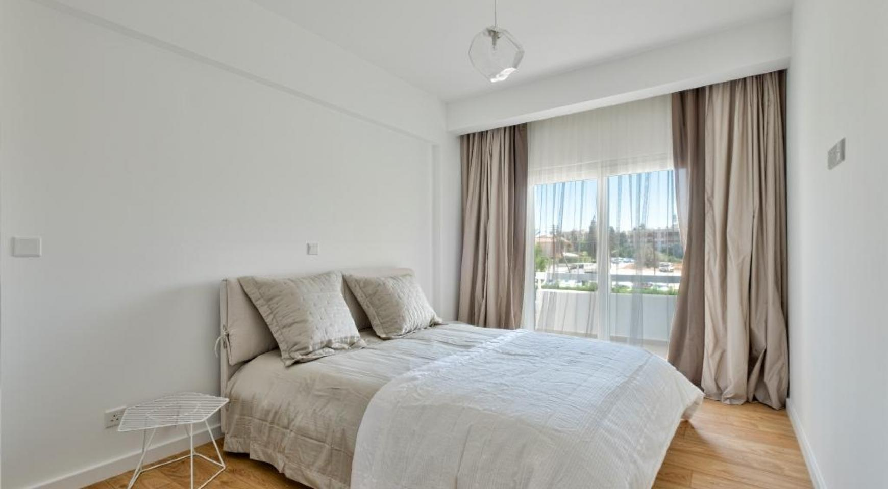 Modern 3 Bedroom Аpartment in Crown Plaza area - 12