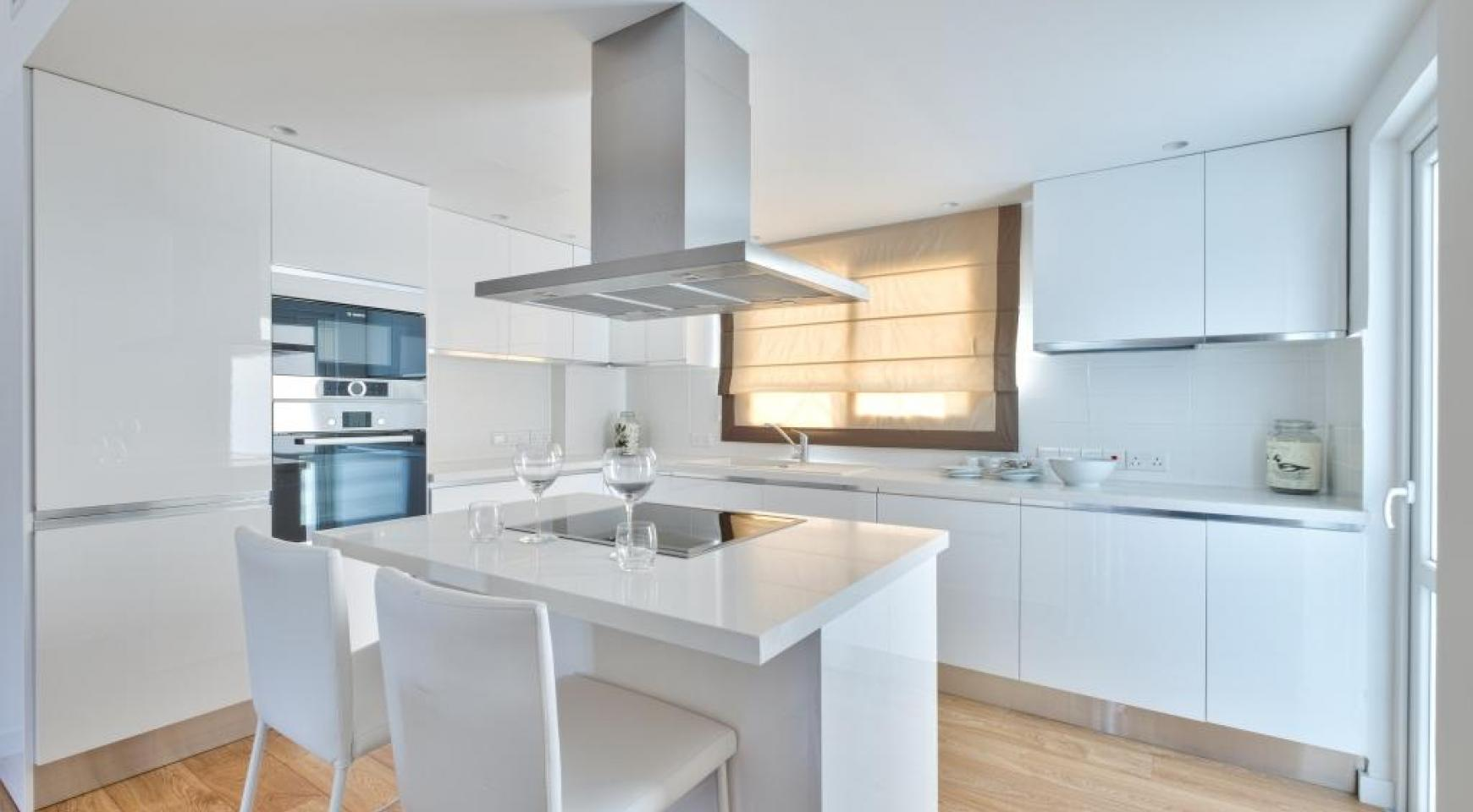Modern 3 Bedroom Аpartment in Crown Plaza area - 1
