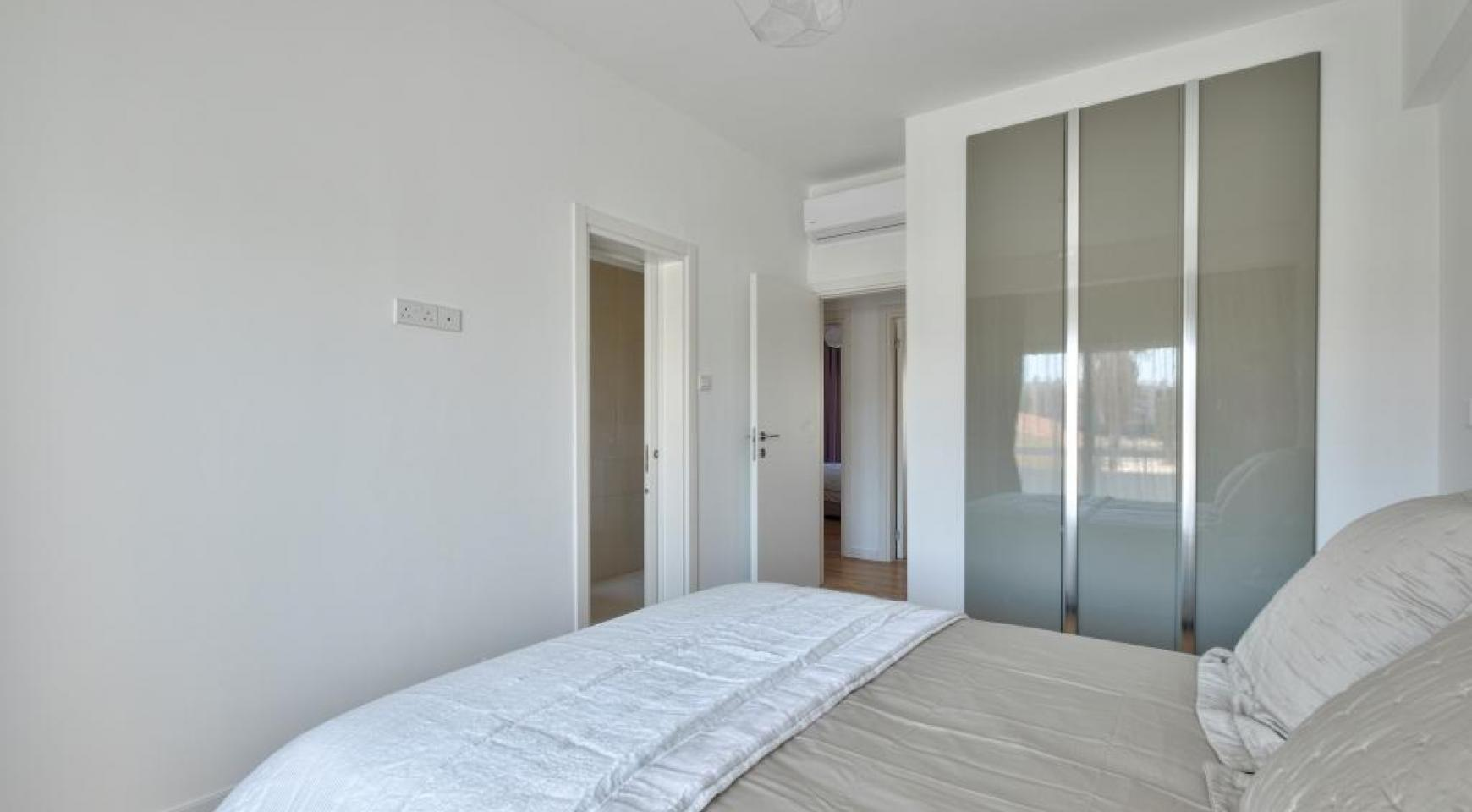 Modern 3 Bedroom Аpartment in Crown Plaza area - 13
