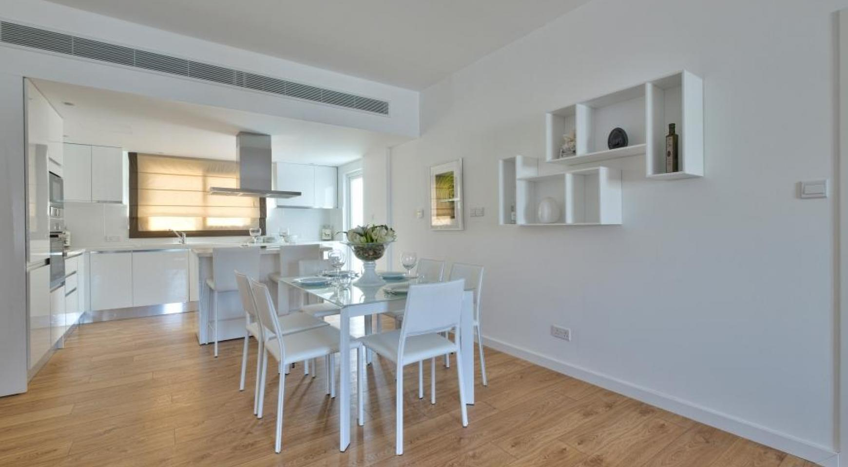 Modern 3 Bedroom Аpartment in Crown Plaza area - 9