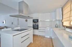 Modern 3 Bedroom Аpartment in Crown Plaza area - 18