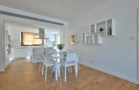 Modern 3 Bedroom Аpartment in Crown Plaza area - 24