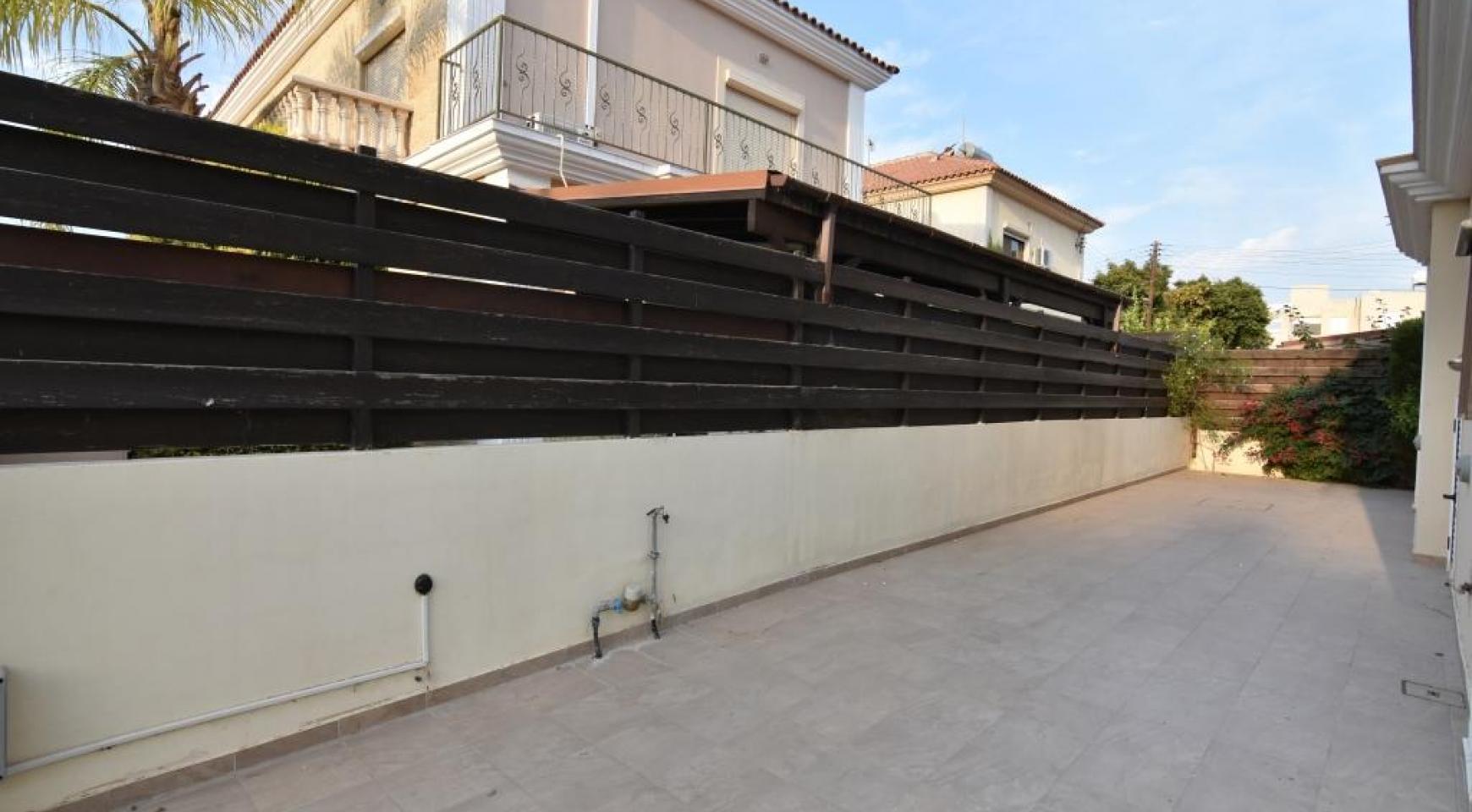 Contemporary 3 Bedroom House in Papas Area - 16