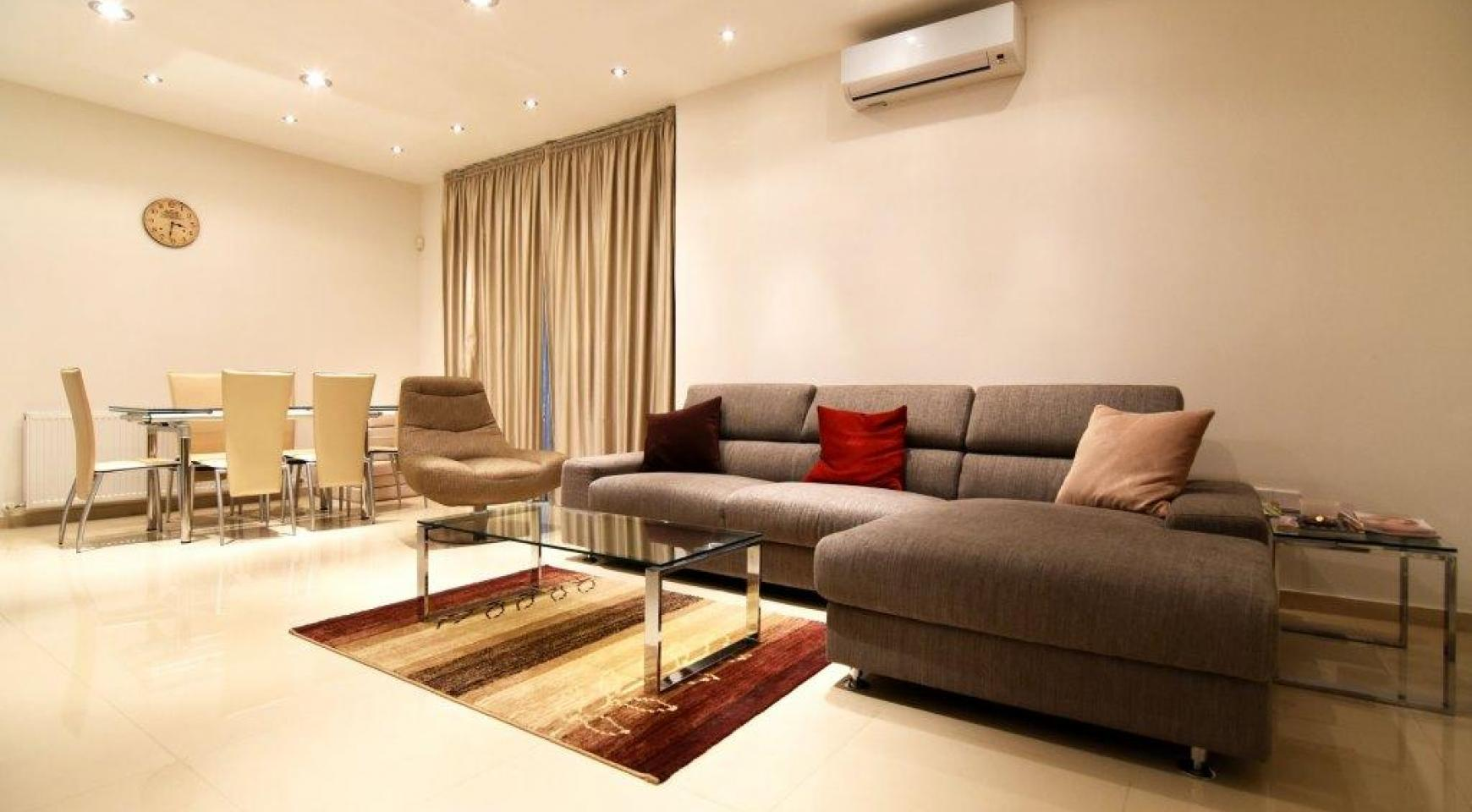 Contemporary 3 Bedroom House in Papas Area - 8