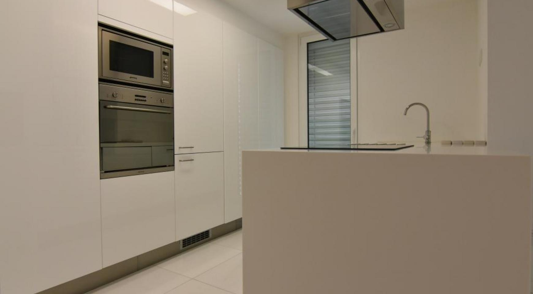 Luxury  2 Bedroom Apartment in the Centre of  the Tourist Area - 6