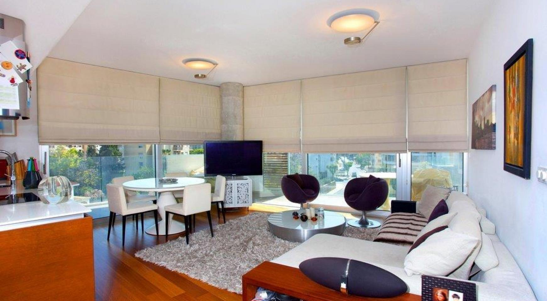 Luxury 3 Bedroom Apartment in a Prestigious Complex - 4