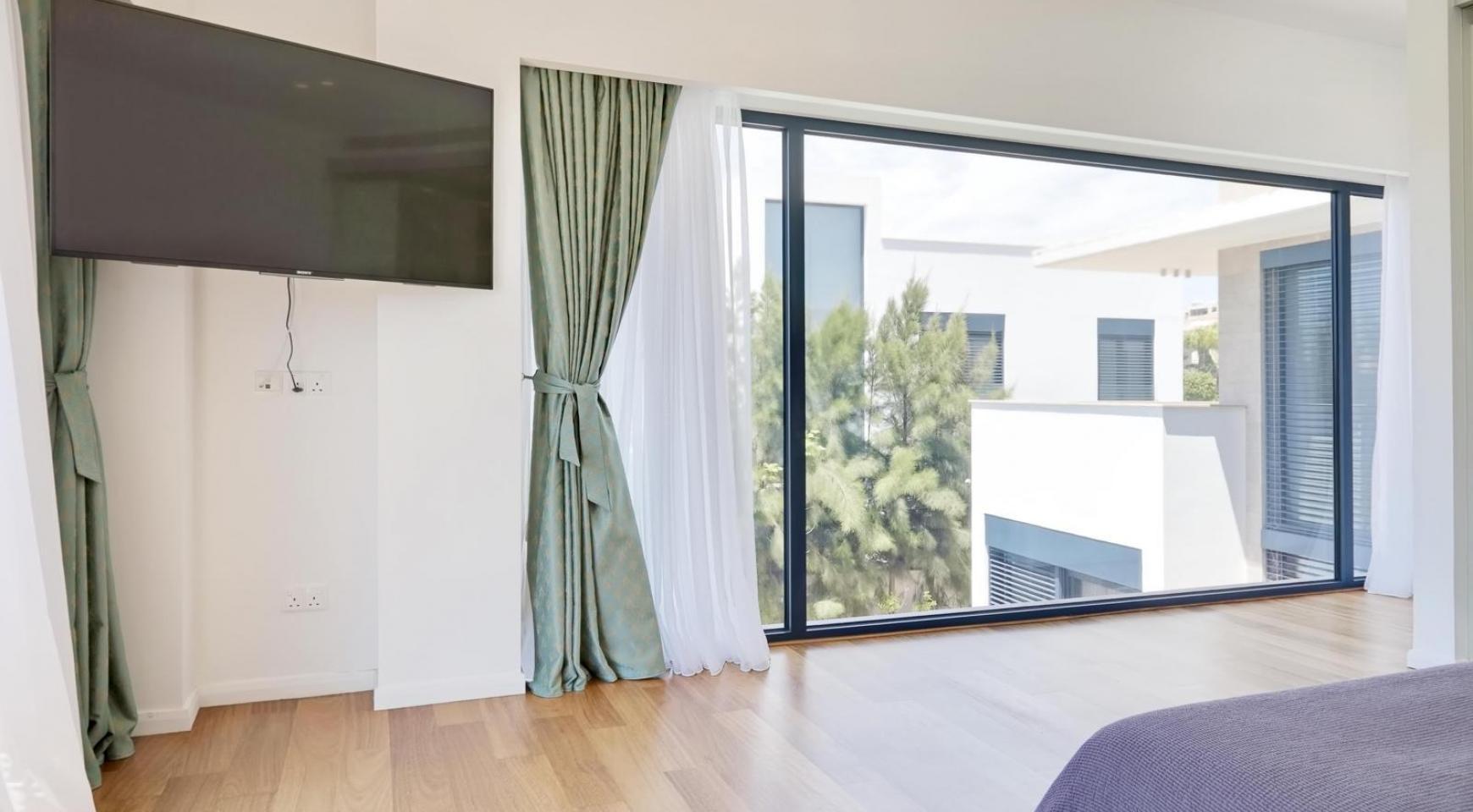 New Luxurious 4 Bedroom Villa in the Tourist Area - 32