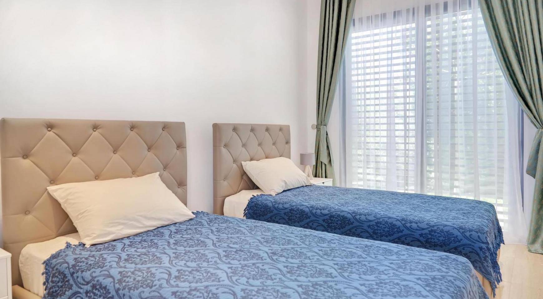 New Luxurious 4 Bedroom Villa in the Tourist Area - 36