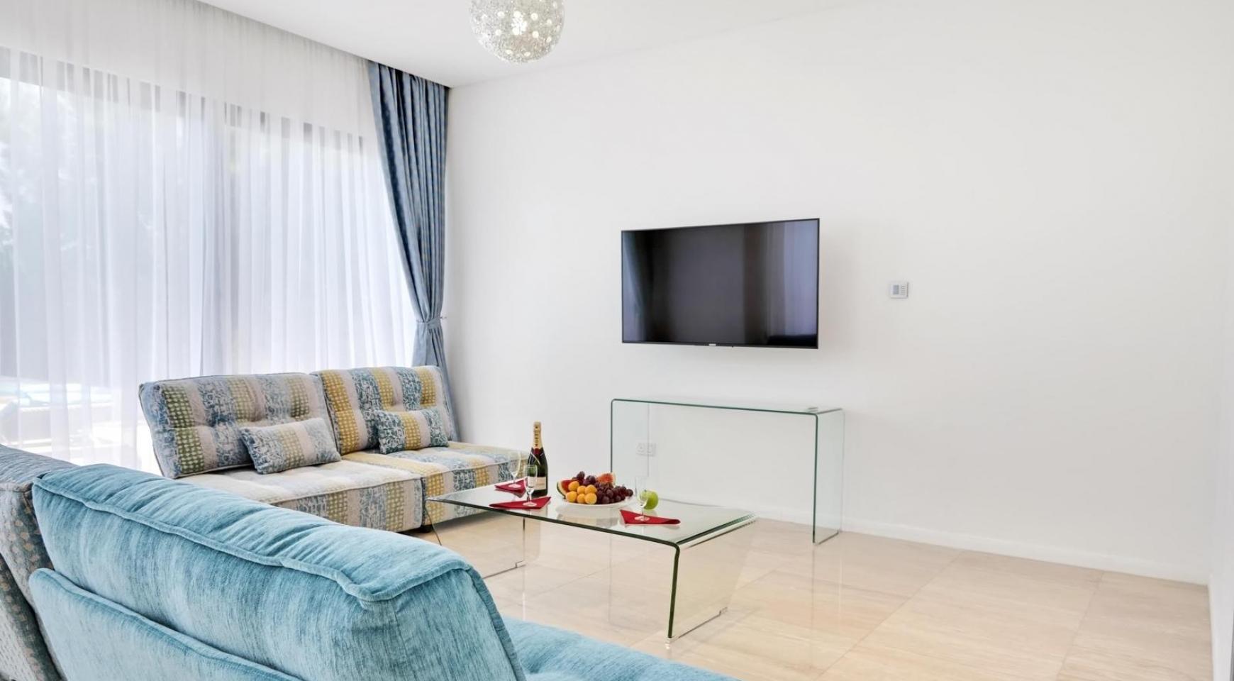 New Luxurious 4 Bedroom Villa in the Tourist Area - 17