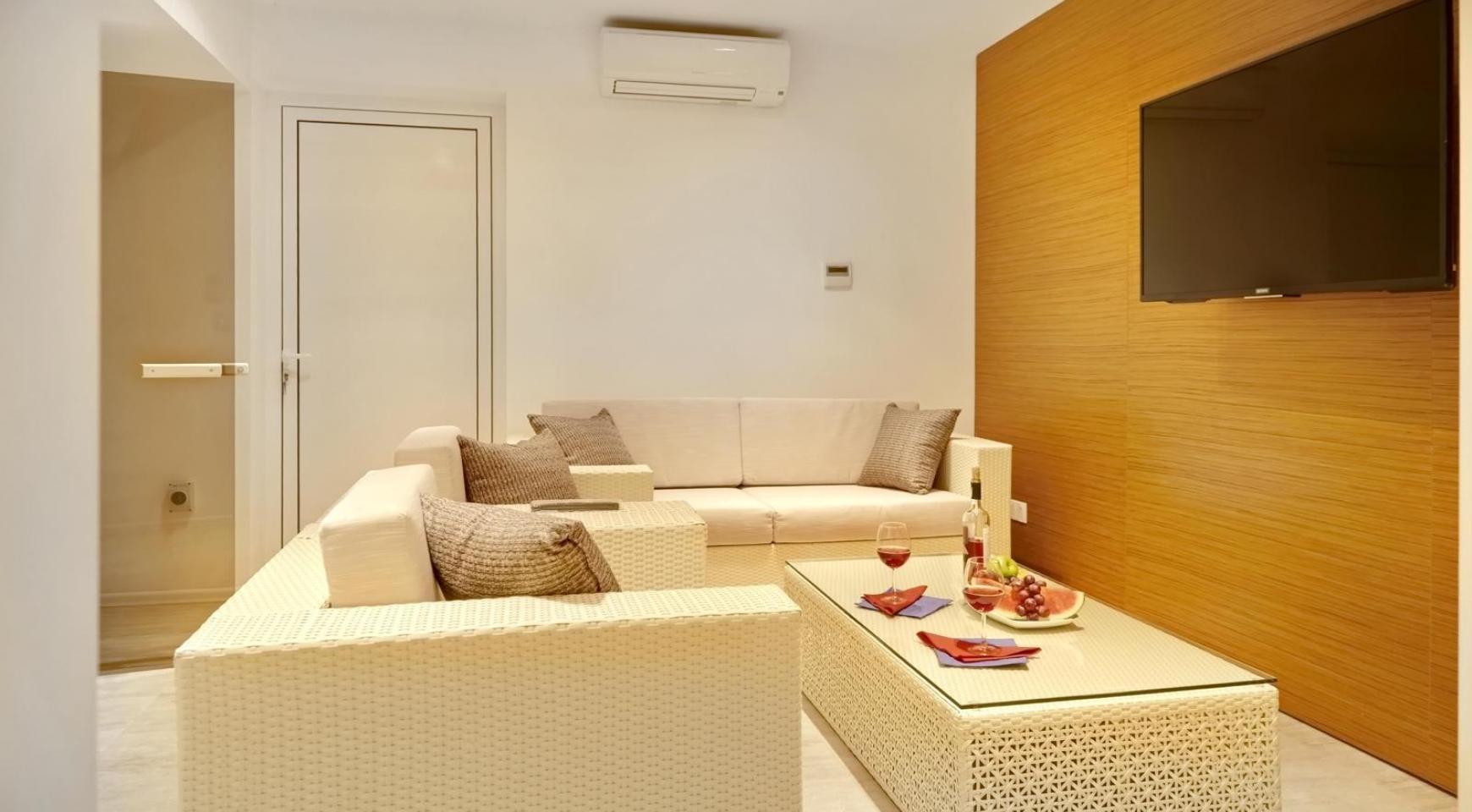 New Luxurious 4 Bedroom Villa in the Tourist Area - 43