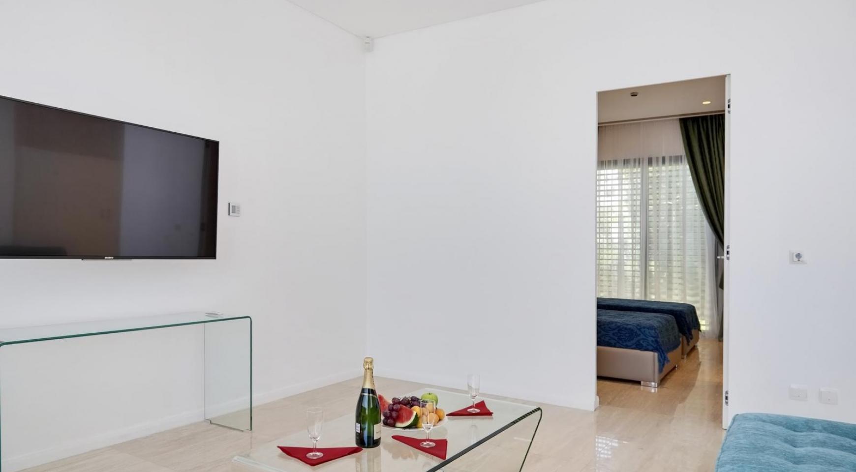 New Luxurious 4 Bedroom Villa in the Tourist Area - 27