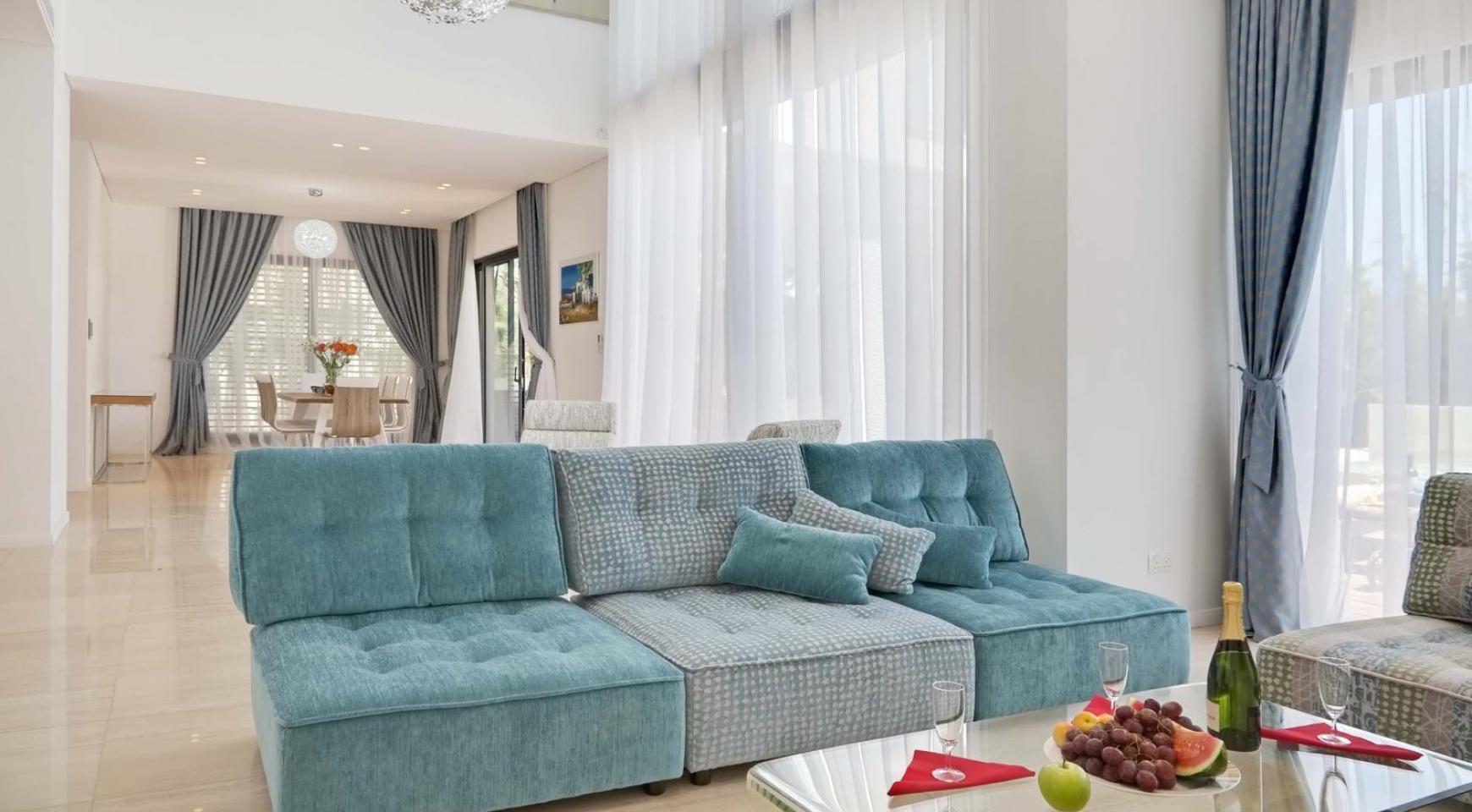New Luxurious 4 Bedroom Villa in the Tourist Area - 18