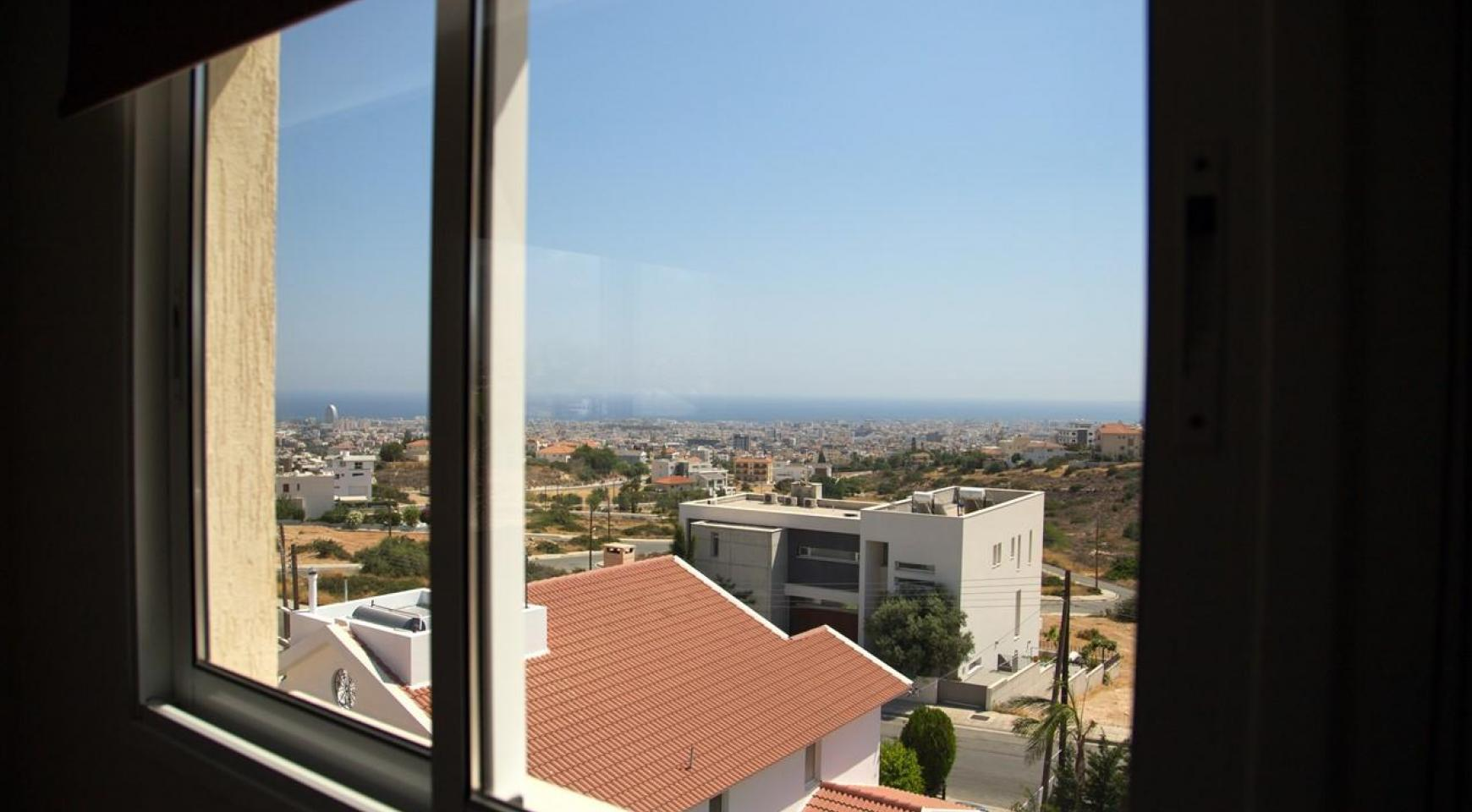One Bedroom Apartment with Amazing Sea and Mountain Views - 8