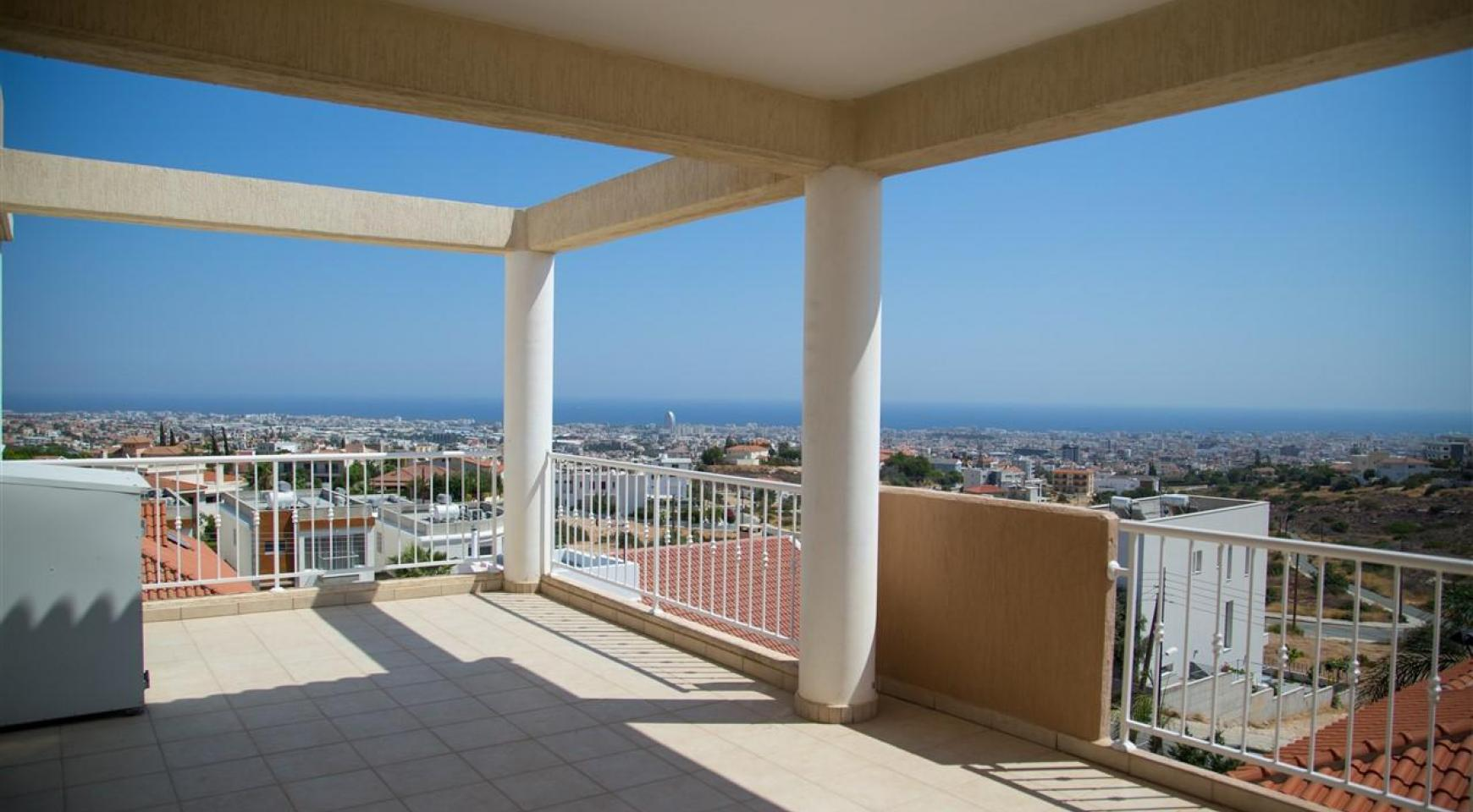 One Bedroom Apartment with Amazing Sea and Mountain Views - 1
