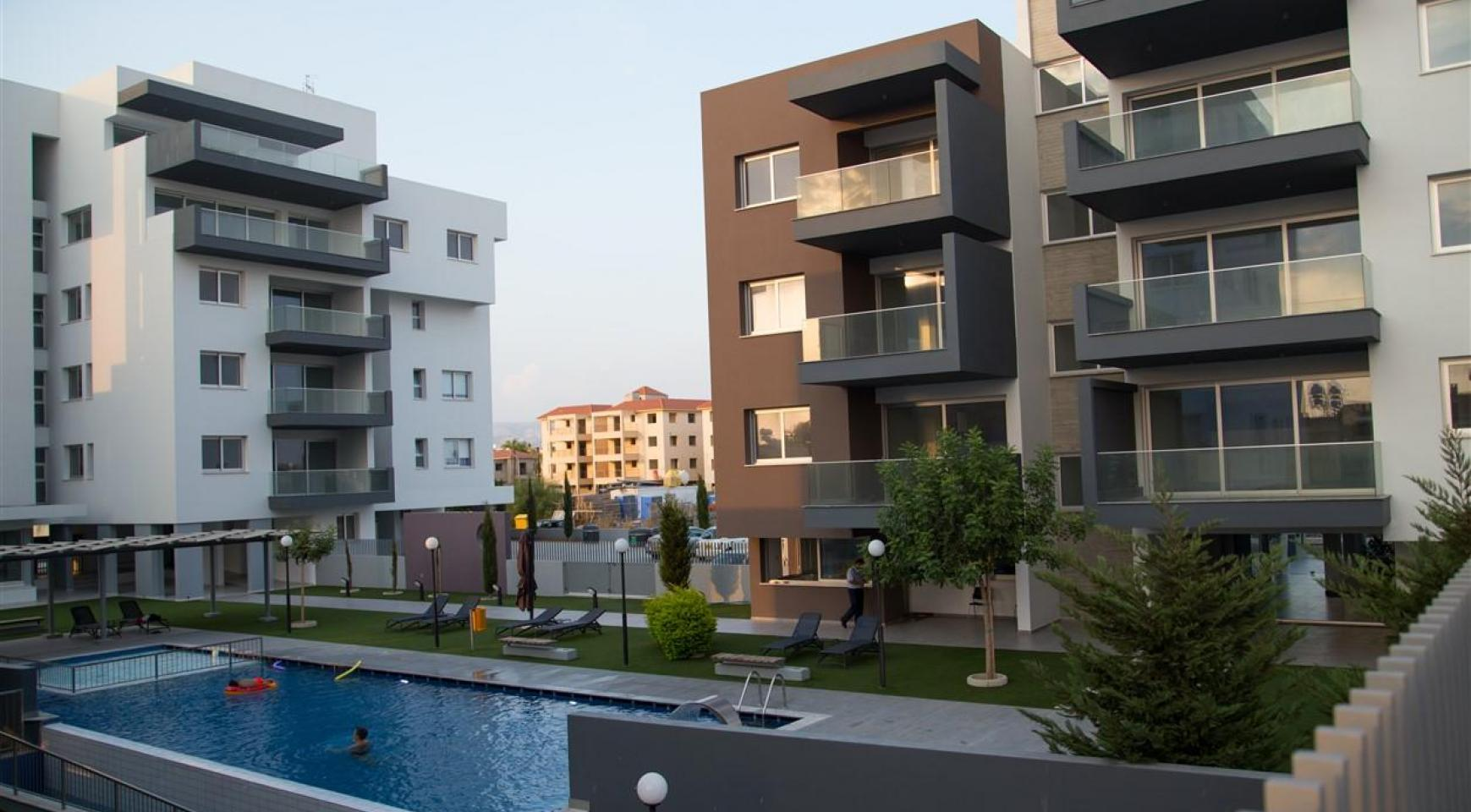 Luxury One Bedroom Apartment in a New Complex - 5